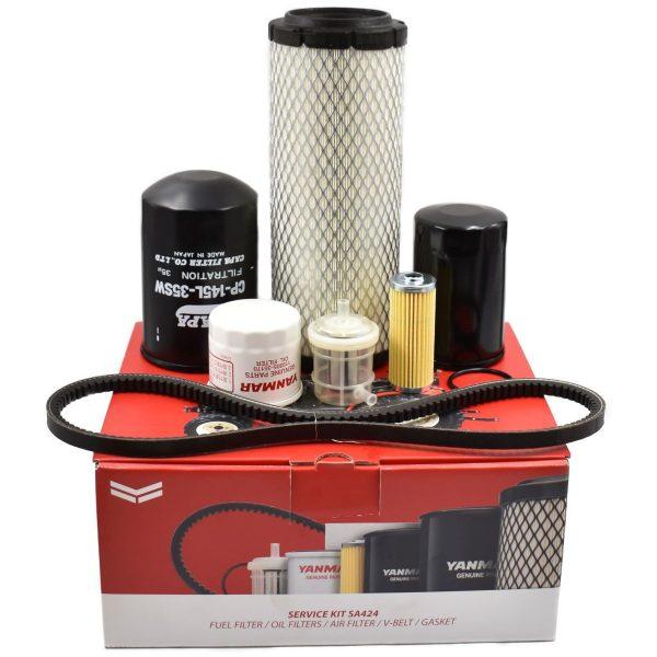 Service-Kit Yanmar SA424 Inhalt des Kits: Luftfilter Kraftstofffilter (2 Stück) O-Ring-Kraftstofffilter Motorölfilter Hydraulikfilter Hydrostatischer Filter Keilriemen